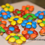 Edible Flowers – Pretzel Rolo M&M Flower Cookies!
